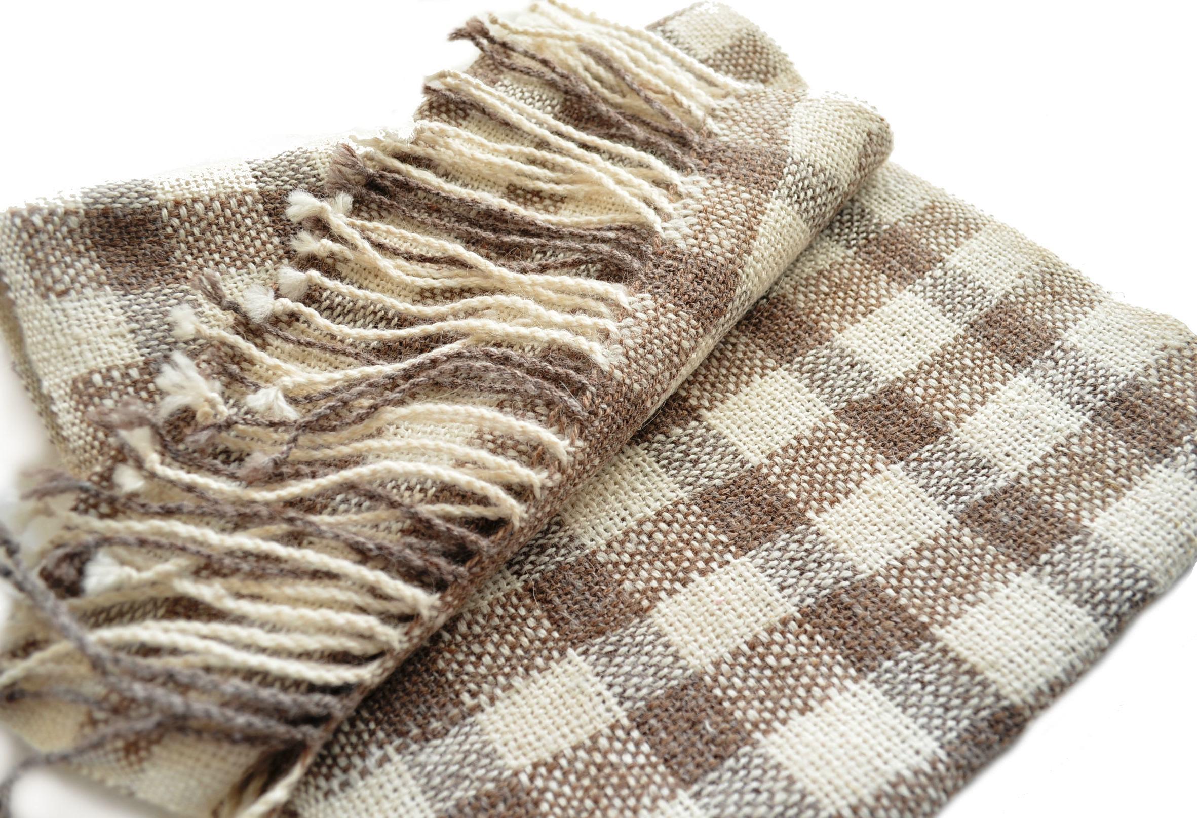 Sobrios dise os en nuestros exclusivos cojines te idos en - Disenos textiles del mediterraneo ...