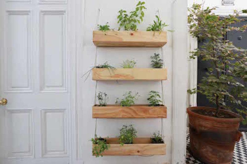 Huerta colgante de 3 cajones grandes terrazachic for Jardineras de madera grandes